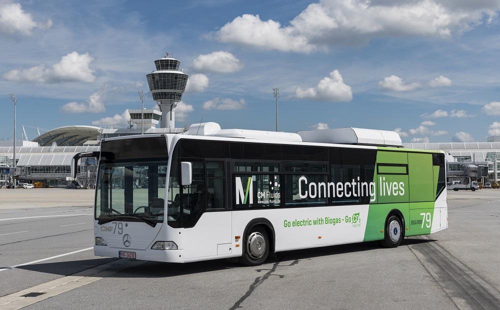 Innovativer Passagierbus startet Testbetrieb am Airport